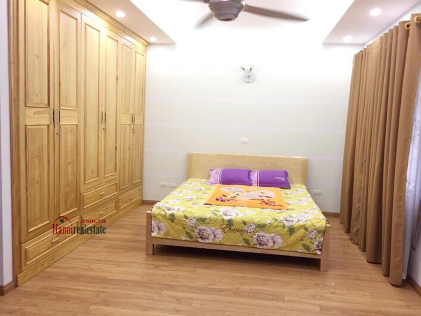 Vinhomes Riverside: Traditional style 04BRs villa at Anh Dao 6