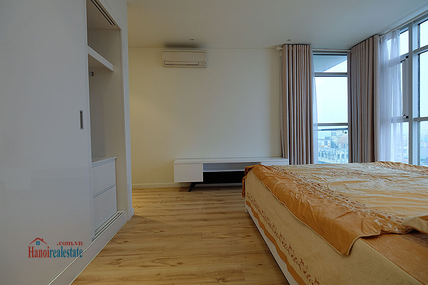 Watermark: City view 02BRs apartment with balcony, 94m2 17