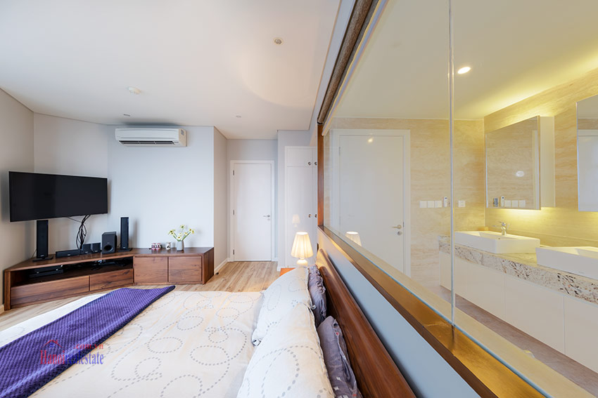 Watermark: Glorious 03BRs apartment on high floor with Westlake view 13