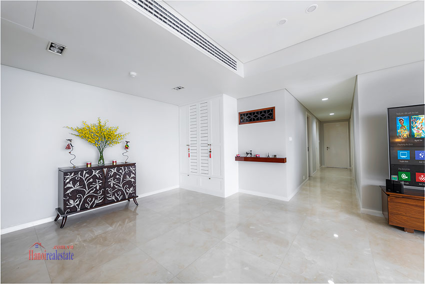 Watermark: Glorious 03BRs apartment on high floor with Westlake view 2