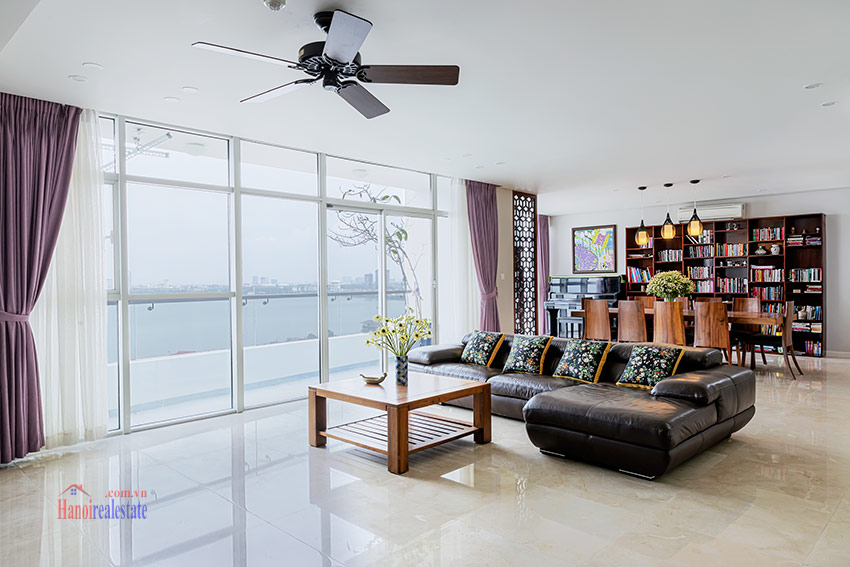 Watermark: Glorious 03BRs apartment on high floor with Westlake view 5