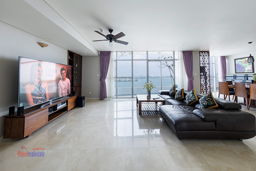 Watermark: Glorious 03BRs apartment on high floor with Westlake view 8