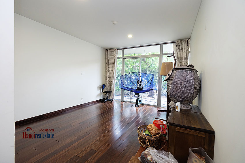 Watermark: Nostalgic 03BRs apartment with spacious garden, gym and pool 10