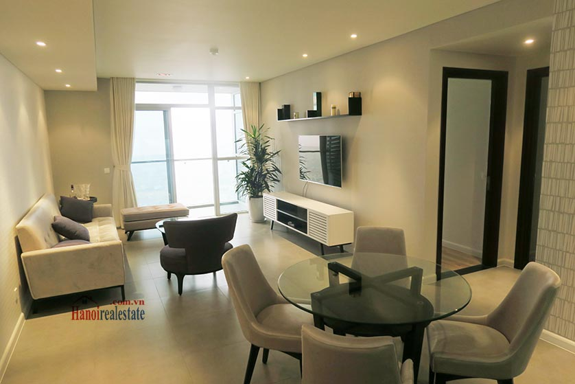 Watermark: Stunning 02BRs apartment, city view 3