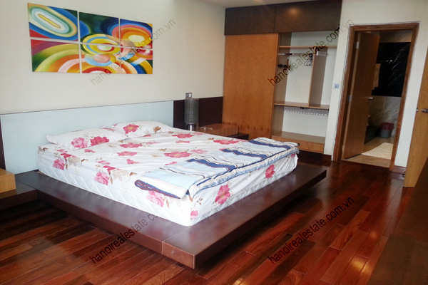 Well Furnished 3 bedroom Apartment on High floor Pacific Place Hanoi 12