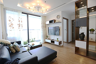 Well-furnished apartment in Vinhomes Metropolis, ready to stay