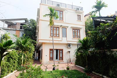 Villa For rent on To Ngoc Van str, Tay Ho, large garden, Lakeview terrace