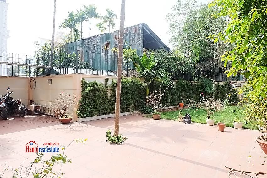 West lake view, 05 BRs villa to rent on To Ngoc Van with large garden & terrace 4