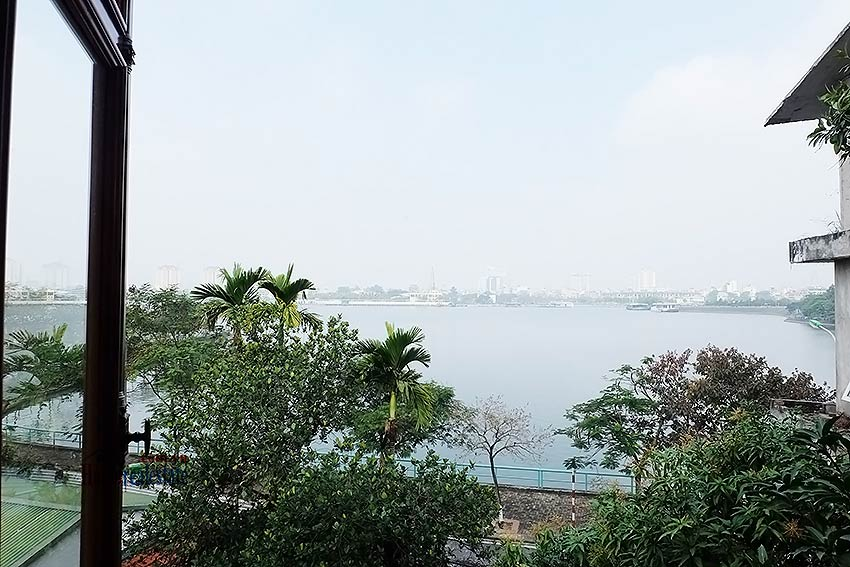 West lake view, 05 BRs villa to rent on To Ngoc Van with large garden & terrace 37