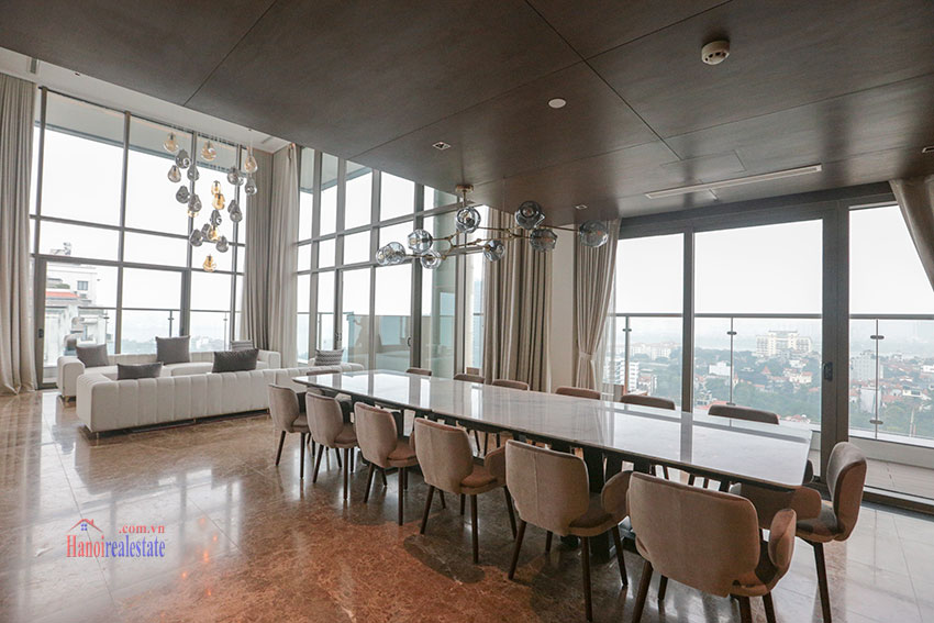 West Lake View Ambassadors Penthouse in Oakwood Residence Hanoi 10