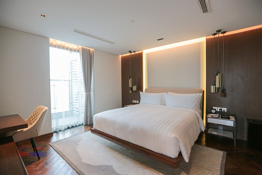 West Lake View Ambassadors Penthouse in Oakwood Residence Hanoi 24