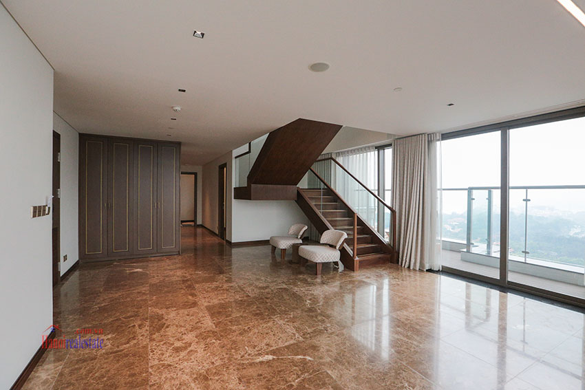 West Lake View Ambassadors Penthouse in Oakwood Residence Hanoi 31