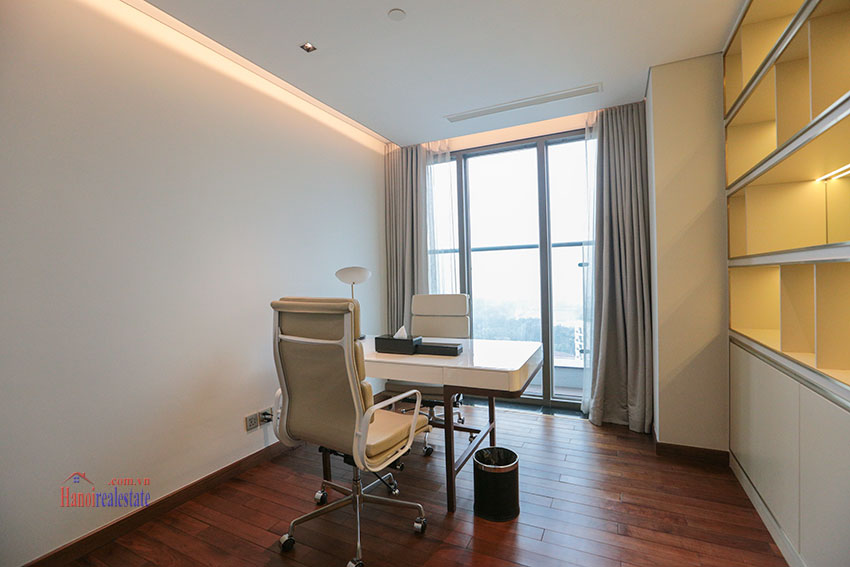 West Lake View Ambassadors Penthouse in Oakwood Residence Hanoi 35
