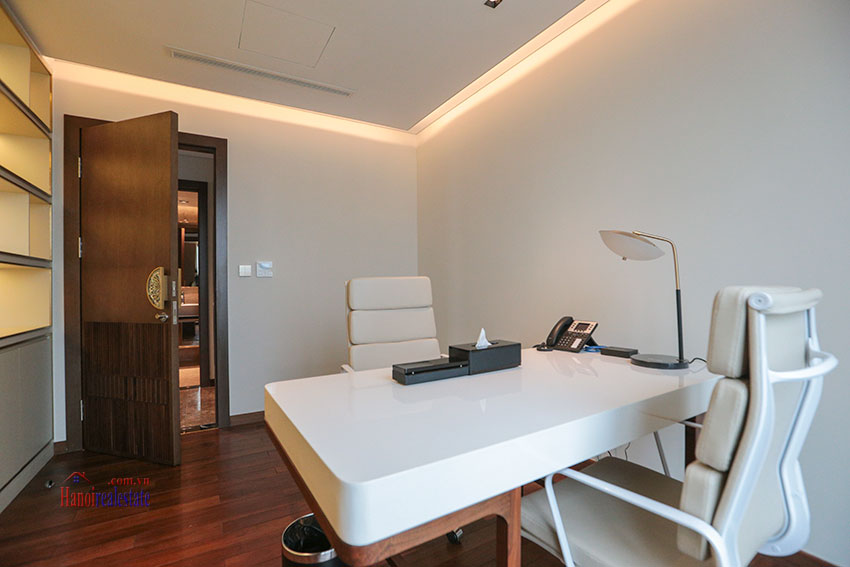 West Lake View Ambassadors Penthouse in Oakwood Residence Hanoi 37