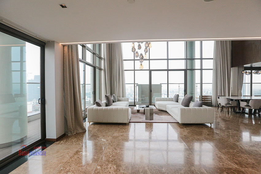 West Lake View Ambassadors Penthouse in Oakwood Residence Hanoi 4