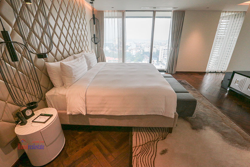 West Lake View Ambassadors Penthouse in Oakwood Residence Hanoi 49