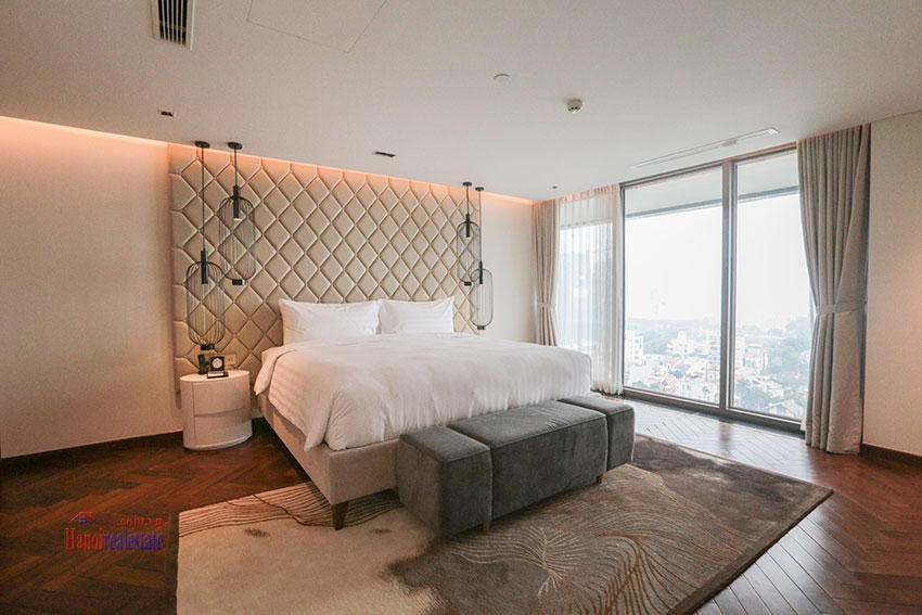 West Lake View Ambassadors Penthouse in Oakwood Residence Hanoi 51