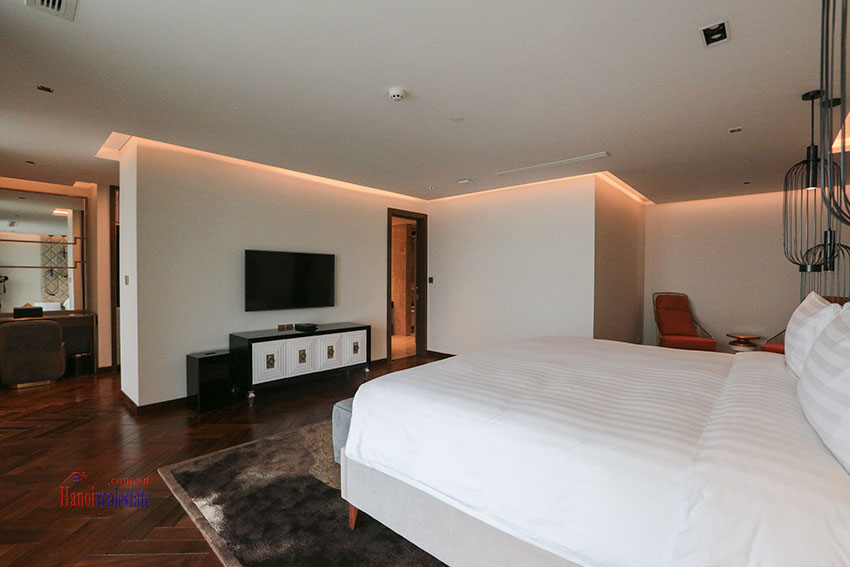 West Lake View Ambassadors Penthouse in Oakwood Residence Hanoi 53