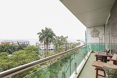Westlake view 02 bedroom apartment on Tu Hoa Street with large space