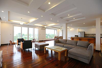 Westlake view apartment on the lakeside Quang Khanh road.