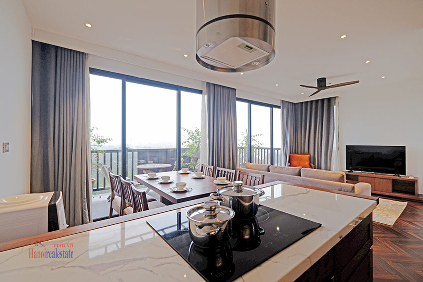 Wonderful and peaceful 02BRs apartment on high floor in the quiet Xom Chua 1
