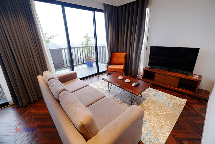 Wonderful and peaceful 02BRs apartment on high floor in the quiet Xom Chua 3