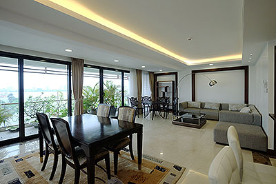 Wonderful Westlake view apartment for rent in Xuan Dieu, 03 beds