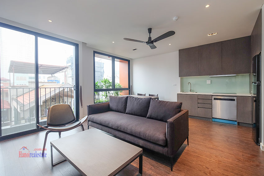Worth looking Wide balcony and elegant décor 02 bedroom on Xuan Dieu Street 3