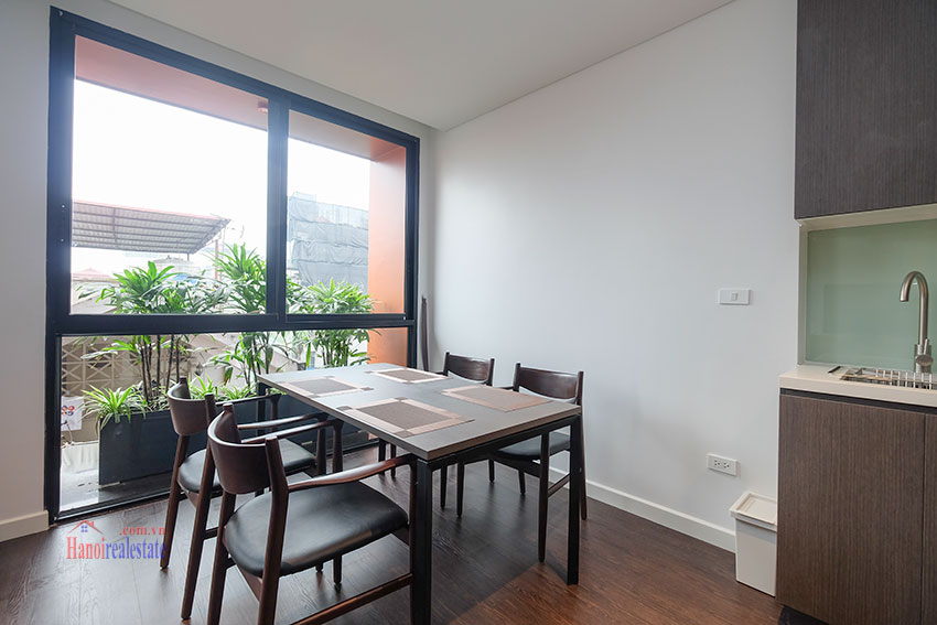 Worth looking Wide balcony and elegant décor 02 bedroom on Xuan Dieu Street 7